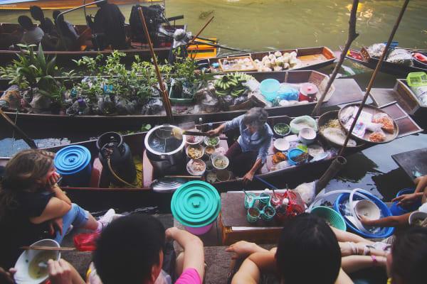 Tailandas, plaukiojantis turgus- www.lietuviaikeliauja.lt