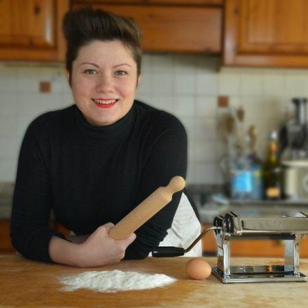 Cuoco Una Rasdora Single In Cucina
