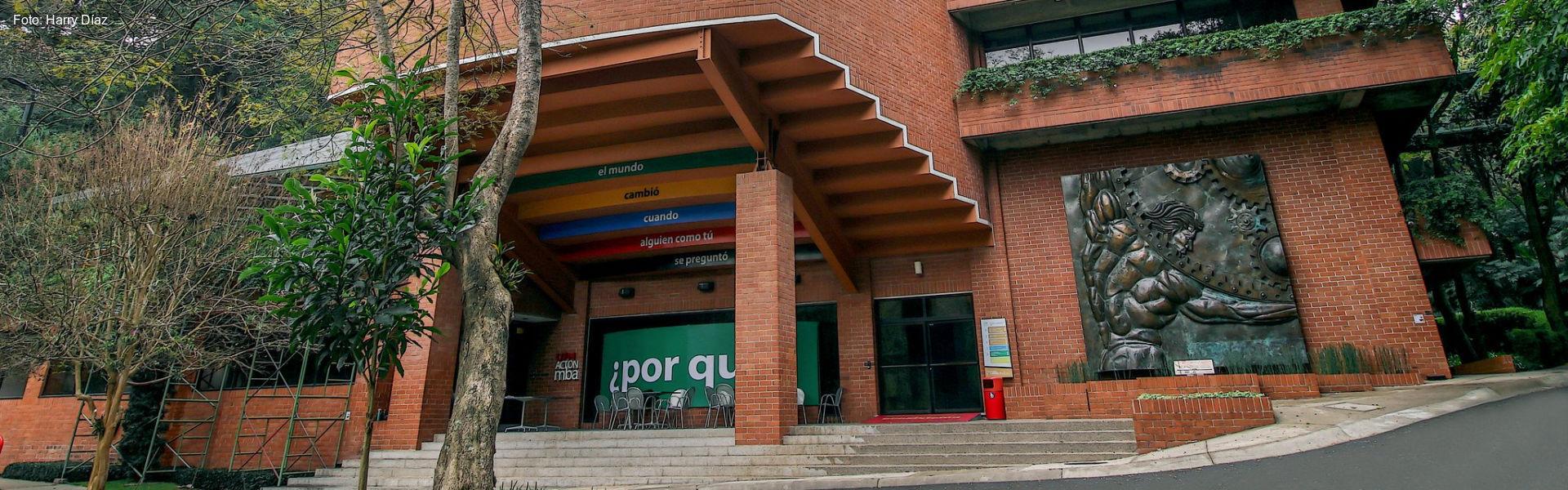 Edificio Escuela de Negocios