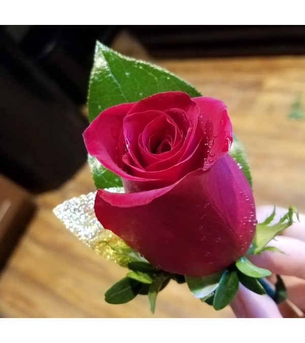 Single Rose Boutonniere