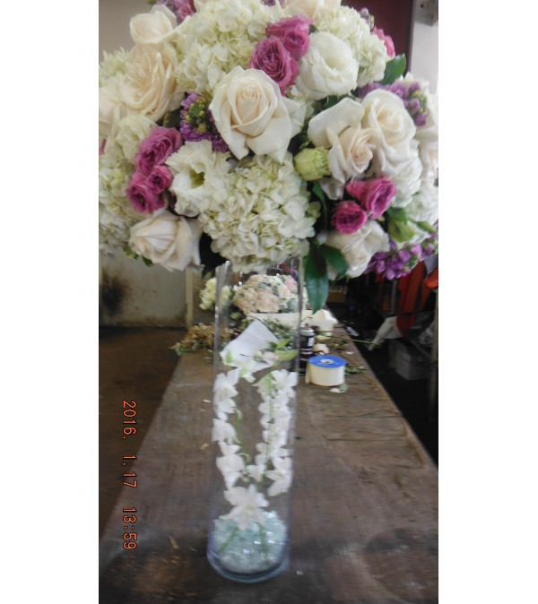 lavender and white center piece 4