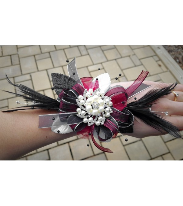 NEW! Brooch Corsage