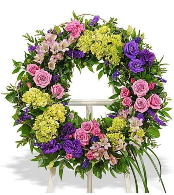 Bold mixed wreath