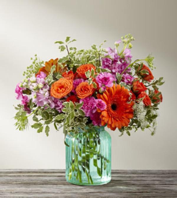 TCG's FTD AquaEscape Bouquet- Deluxe