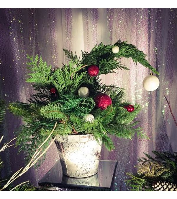 Christmas Grinch Decorations.Christmas Grinch Tree Thunder Bay On Florist
