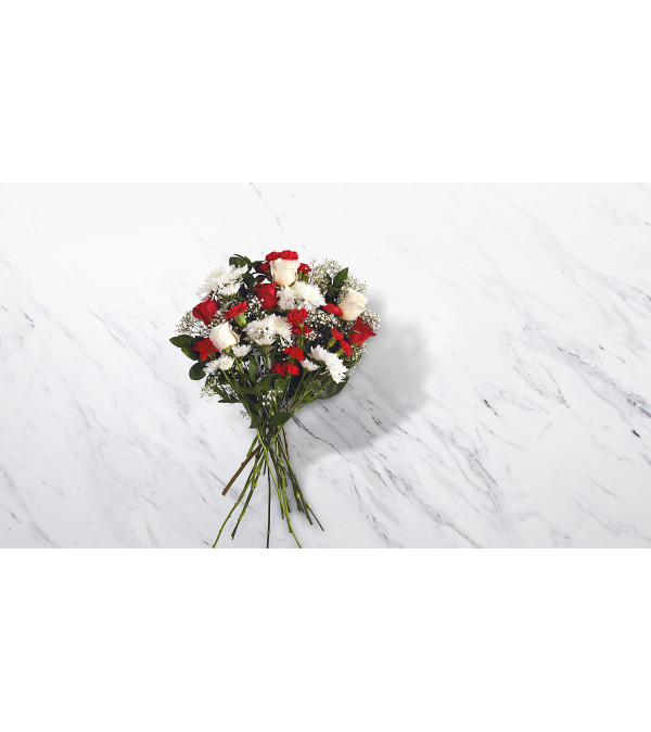 Holiday Tradition Bouquet by FTD