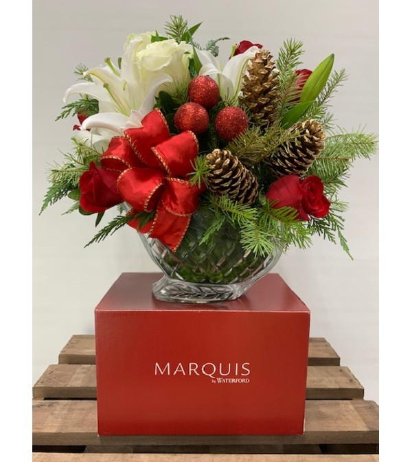 MARQUIS BY WATERFORD SLEIGH WITH CHRISTMAS FLOWERS