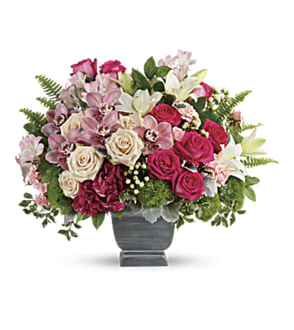 Teleflora's Grand Beauty Bouquet