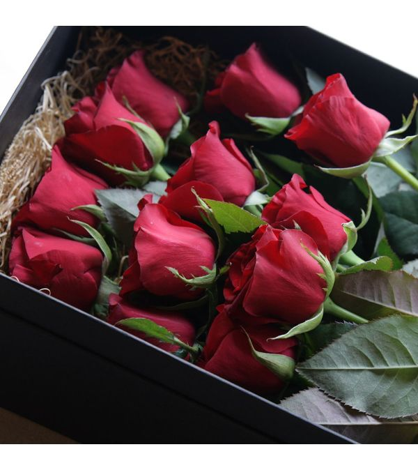 Premium Red Roses in a box