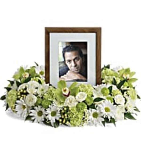 TRF255-1 Garden Wreath Photo Tribute