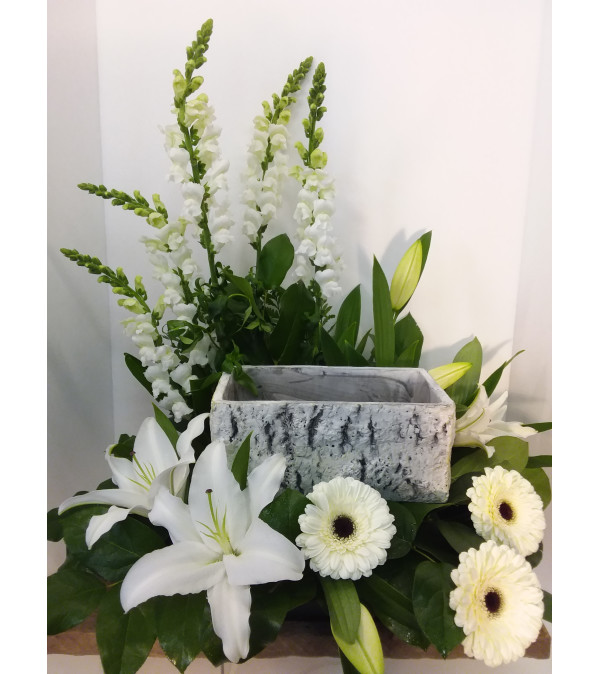 Tranquil Lily Cremation Tribute