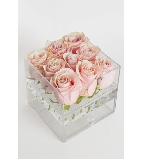 Acrylic Box   9 roses