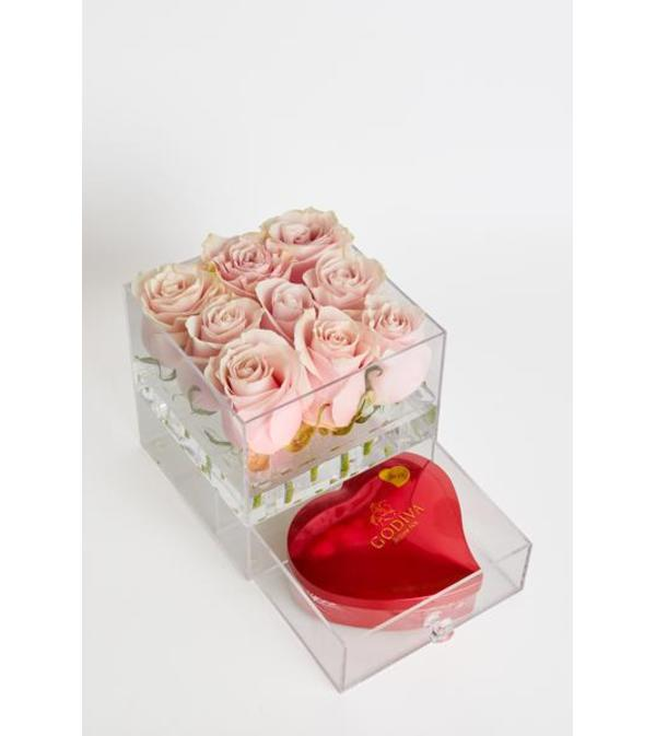 Acrylic box with 9 roses and draw