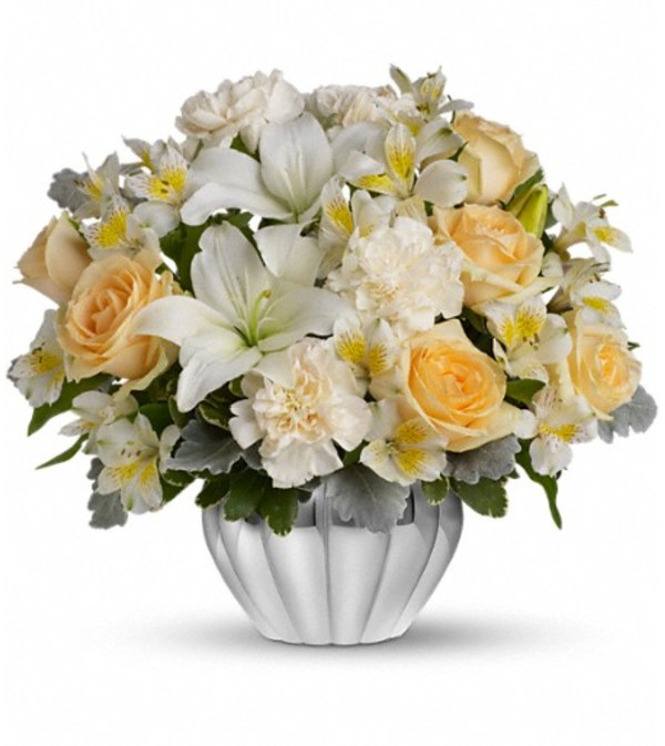 Teleflora's Kiss Me Softly