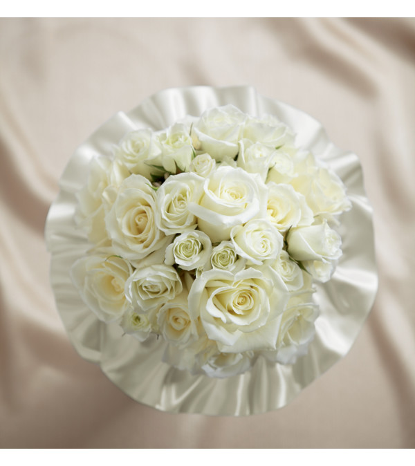 The FTD® Sweet Roses™ Bouquet