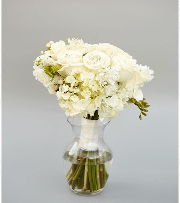 Eloquent in White Bouquet