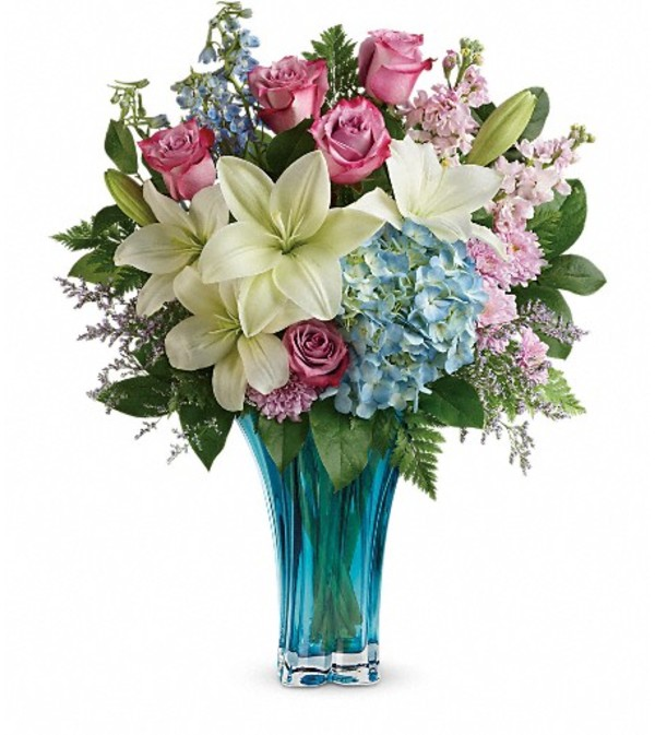 Teleflora\'s Heart\'s Pirouette Bouquet - Roanoke Rapids, NC Florist