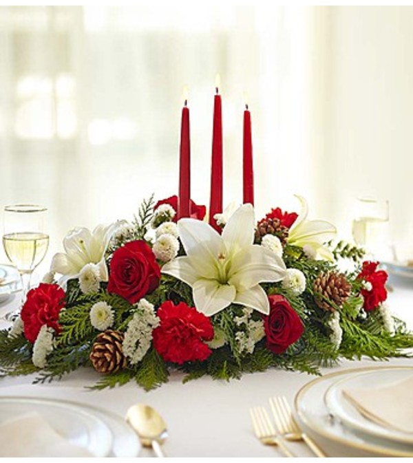 A Traditional Christmas Centerpiece