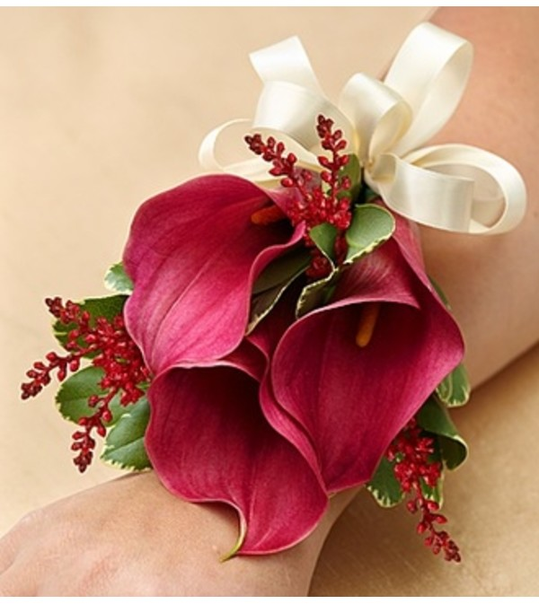Vineyard Wedding Corsage - Mini Calla Lilies