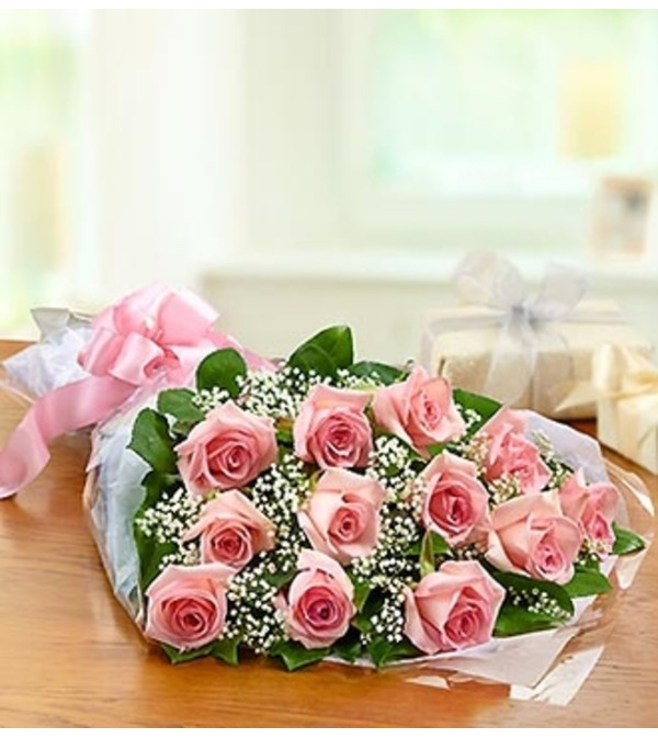 One Dozen Rose Presentation Bouquet - Pink
