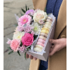 FLOWER BOX WITH MACARONS standard