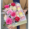 FLOWER BOX WITH MACARONS deluxe