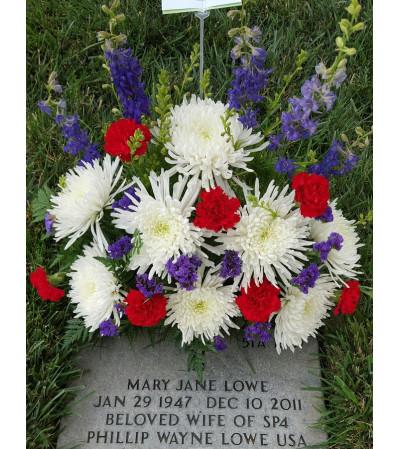 American Glory Gravesite Arrangement