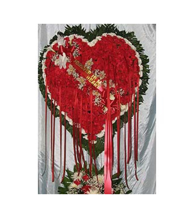 Bleeding Heart with White Carnation Border  GF-H3
