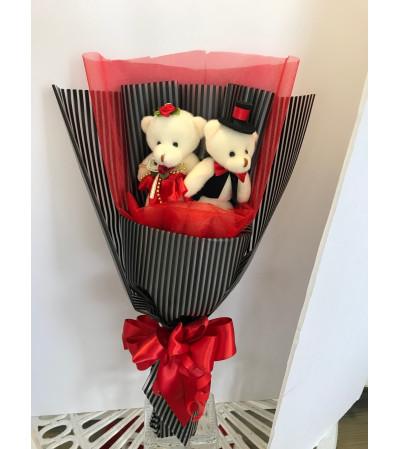 Romantic Teddy Bears Bouquet