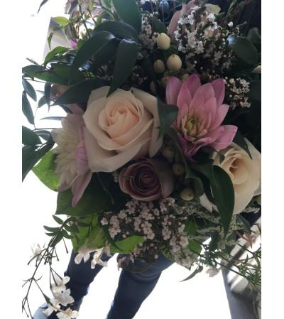amnesia and vendela rose bridal bouquet10
