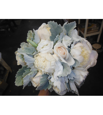 bridesmaids hand tied bouquet