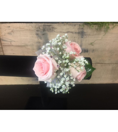 3 Mini Roses Corsage
