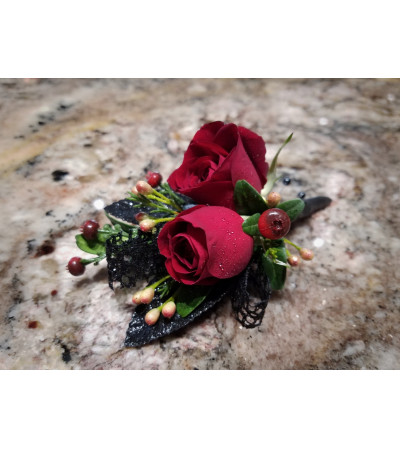Rouge Love Boutonniere