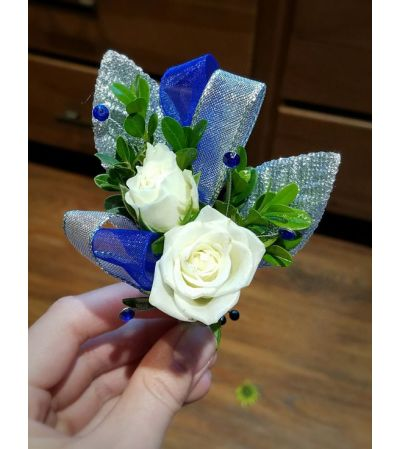 Royaly Yours Boutonniere
