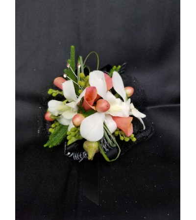 Peaches n' Cream Wrist Corsage