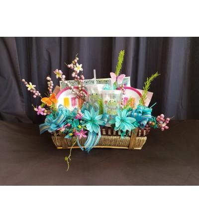 "Garden Basket ""Mom is Wow"""