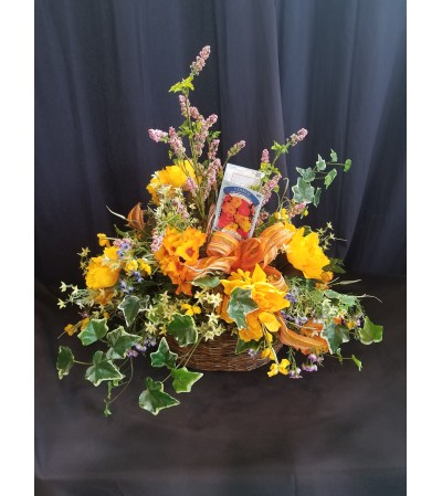 Garden Basket Orange & Ivy