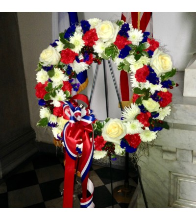 Memorial Day Wreath - on tall Easel