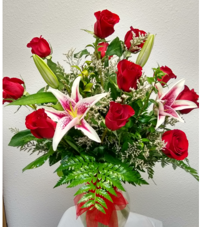 Flowerama Super Deluxe With lilies