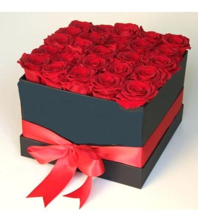 25 Red Bloom Hatbox