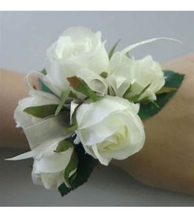 Sweetest Thing Wristlet Corsage