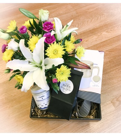 Flowers and Tea Gift Collection