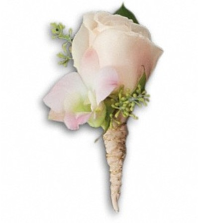 *PLEASE CALL TO ORDER* Dashing Boutonniere
