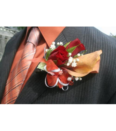 Sunkissed Boutonniere