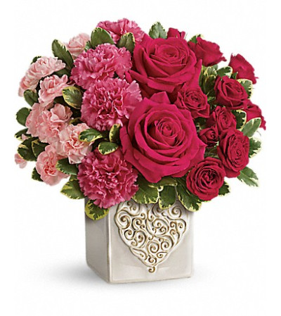 Teleflora's Swirling Heart Bouquet