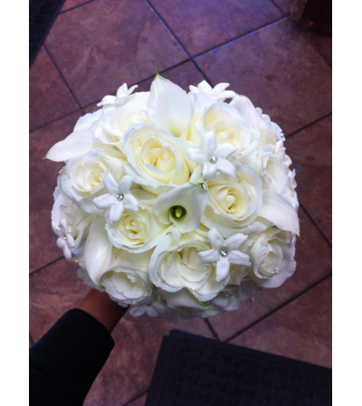 Classy Ivory Bouquet