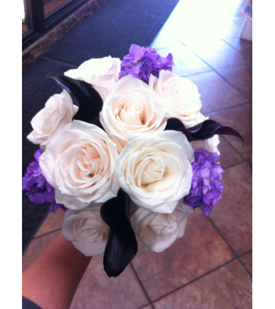 Ivory Rose and Midnight Bouquet