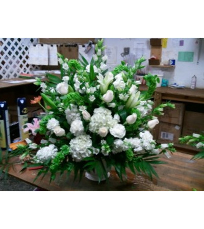 SHOWY FUNERAL BASKET-WHITE