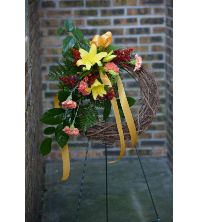 Grapevine Standing Wreath