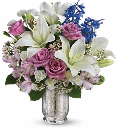 Teleflora's Garden Of Dreams Bouquet